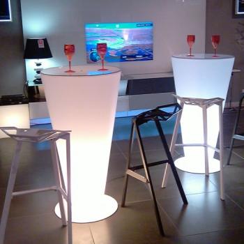 Mange Debout lumineux  Mobilier design, gamme LOUNGE pour vos brunch et repas de famille